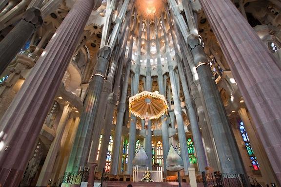 Sagrada Familia 2 interior